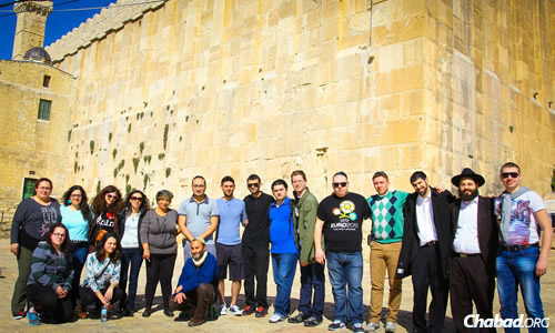 Israel Breaks the Sound Barrier for a Group of Deaf Russian Tourists