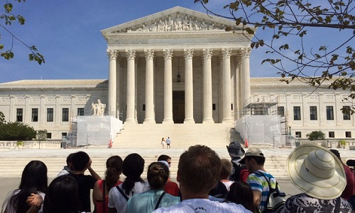 Deaf Lawyers Admitted to Bar of US Supreme Court